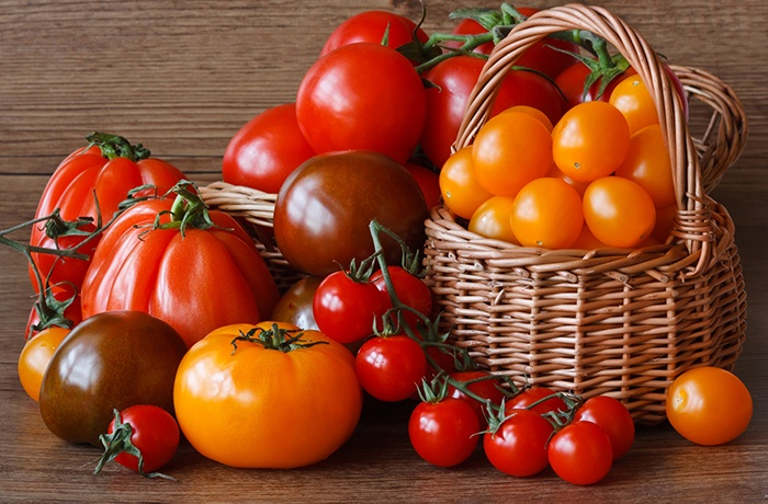 cà chua chứa hoạt chất chống oxi hóa rất tốt cho phụ nữ