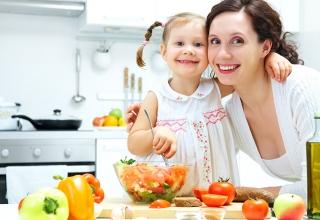 Con khỏe mạnh nhờ 10 thực phẩm tăng sức đề kháng