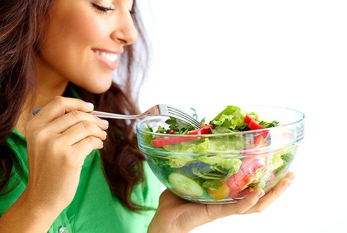 Kiểm tra chất lượng thức ăn trước khi ăn