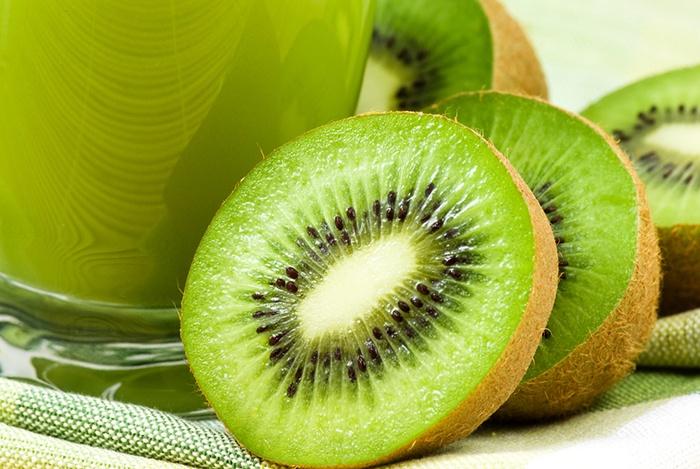 kiwi giàu vitamin C tốt cho da
