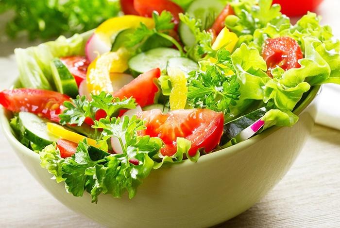 rau họ cải là thực phẩm ngừa mụn hiệu quả