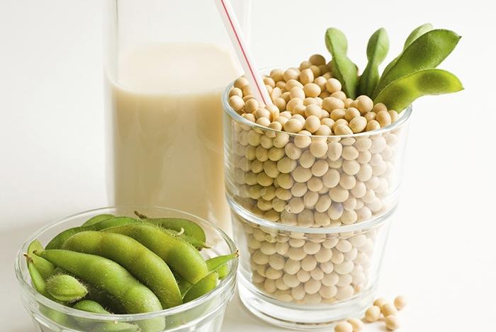 uống sữa đậu nành giúp phòng ngừa ung thư tuyến tiền liệt