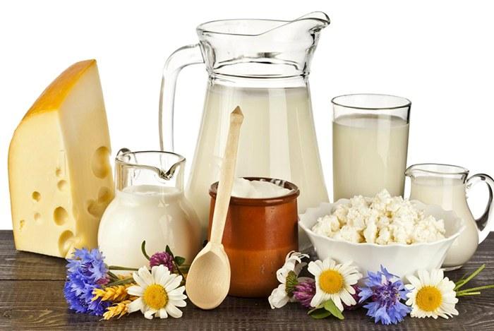 uống sữa hàng ngày giúp đôi mắt khỏe mạnh hơn