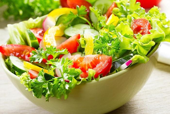 vitamin B trong rau xanh rất cần thiết cho xương phát triển