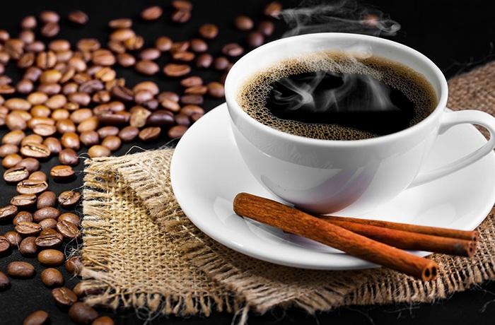 cà phê giúp bạn tỉnh táo và tăng khả năng ghi nhớ