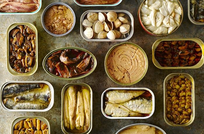 đồ hộp chứa chất bảo quản và phụ gia thực phẩm không tốt cho sức khỏe