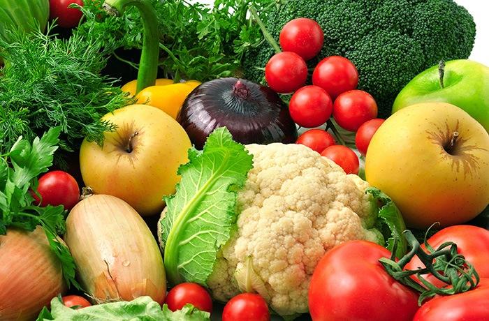 rau xanh và trái cây là thực phẩm rất tốt cho sức khỏe