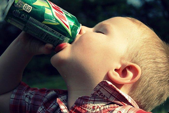 Trẻ nhỏ dễ bị táo bón
