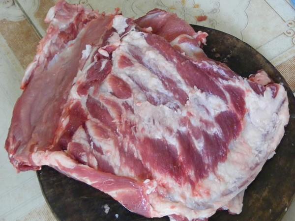 Thịt lợn đen Hòa Bình