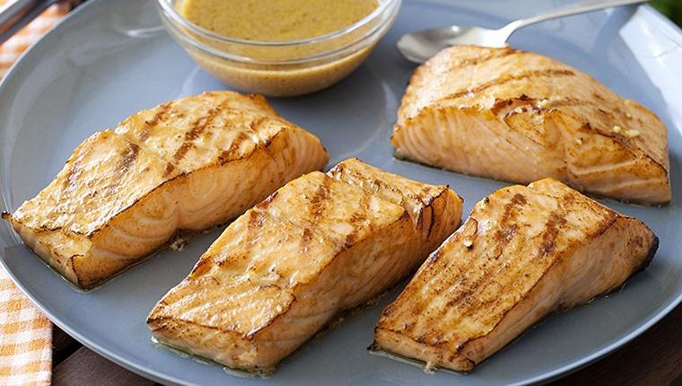Phong cách thưởng thức món ăn từ cá hồi nổi tiếng thế giới