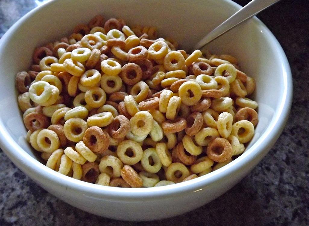 Ngũ cốc nguyên hạt Cheerios
