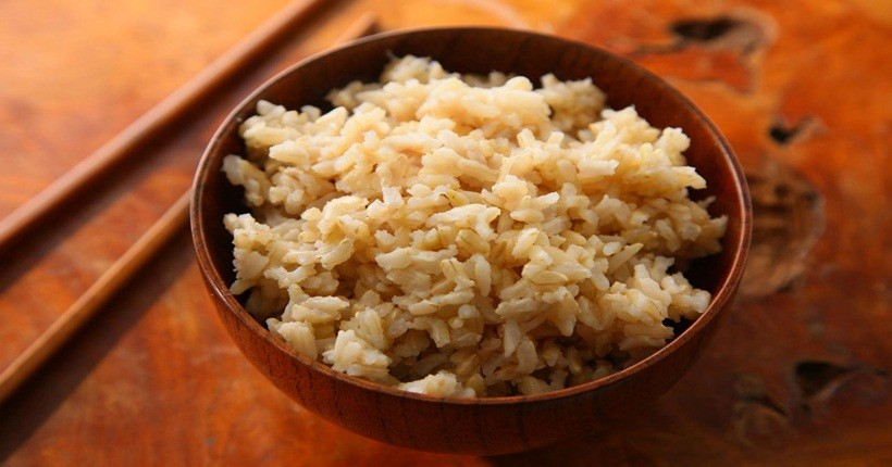 Giảm cân bằng gạo lứt muối mè