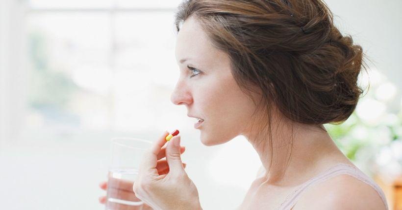 Uống đậu nành cùng kháng sinh